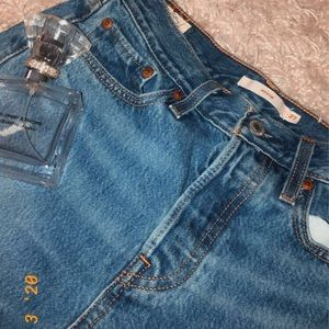 Levis Exclusive Denim Mom Jeans